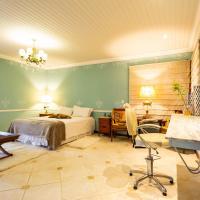 Chacara de alto luxo com lazer e Wi-Fi em Vinhedo, отель в городе Виньеду