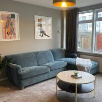 Comfy home with Netflix w/ Access to C. London, hotel in Loughton