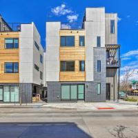 Modern Townhome with Rooftop and Mountain Views!, hotel in Denver