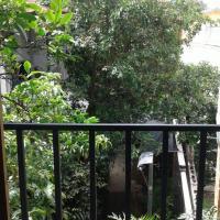 Apartamentos M&S -Guests House, отель в городе Эскасу