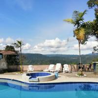 Mindo Paradise Beautiful Rustic Cabins Heated Pool and Yacuzzy NEW, hotel em Mindo