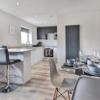 Newly Renovated 3 Bed Apartment with Parking