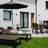 L'Entre 2 Lacs - Charmant 2 pièces avec jardin, hotel in Cernex