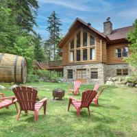 Friends and family reunion with lake access and indoor hot tub, hotel em Mille-Isles