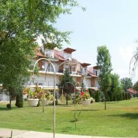 Cserke Napfény Apartman, Hotel in Cserkeszőlő