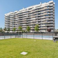 Exclusive building - swimming pool Madrid city center
