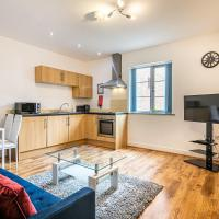 Spacious Apt With Private Patio Sheffield Centre