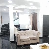 Nice 4 Bed Duplex in Ikeja GRA, hotel near Murtala Muhammed International Airport - LOS, Lagos