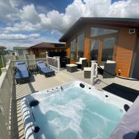 Hot Tub Lodge Percy Wood Golf Course