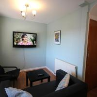 3 double bedroom flat sleeps 6, well equipped, central location 52CR