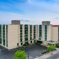 Ramada By Wyndham Niagara Falls near the Falls, hotel din Niagara Falls