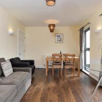 Bright 2 Bedroom Flat in Lambeth With Balcony