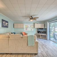 Charming Homosassa House with Kayaks and Canal!