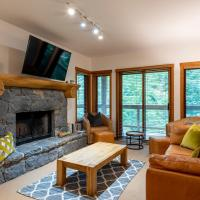 Creekside ski in ski out fully equipped townhome with communal pool and hot tub