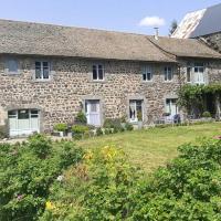 Grande maison au cœur du Cantal, hotel in Allanche