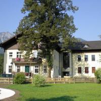 Luise Wehrenfennig & Haus EvA, hotel in Bad Goisern