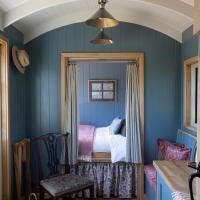 Hill House B & B & Luxury Shepherds Huts
