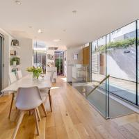 Veeve - Lightwell Luxury in Ladbroke Grove