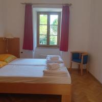 Hostel Sidro - Sveta Ana, hotel in Koper