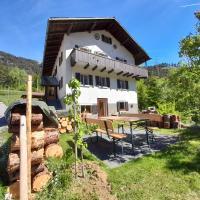 Kleine romantische Wohnung im ruhigen Albulatal, hotel in Surava