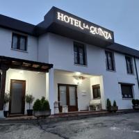 Hotel La Quinta, hotel in Cue