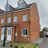 Redcar House - New Build - Sleeps 6 - Workstays UK