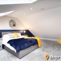 SHORTMOVE - Penthouse, Parking, 2 Bed, Kitchen, Central