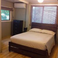 Full air con throughout with wifi. Self contained, hotel em Cairns North