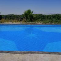 Chalet con piscina, hotel in Murcia
