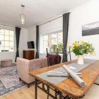Pass the Keys Stylish 2 Bed central Bath Apartment with Parking