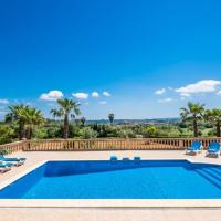 Lloret de Vistalegre Holiday Home Sleeps 8 with Pool and WiFi, hotel en Lloret de Vistalegre