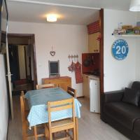 studio cabine Praz de Lys, hotel in Taninges