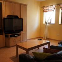 Private room in SHARED apartment close to University of Malta, hotel in Birkirkara