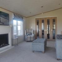 Lyndale Lodge 18 with Hot Tub by St Andrews