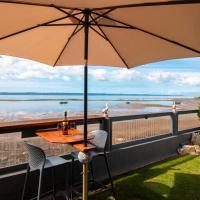Water front ocean views at Macca's Inn, Boonooroo, hotel in Boonooroo