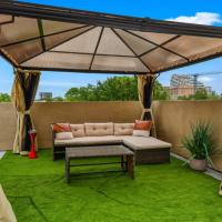 CozySuites Luxurious Townhome In Oak Lawn Amazing Rooftop