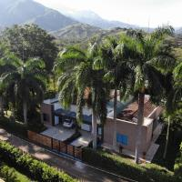La Reina Finca, hotel in Medellín