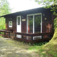 Honeysuckle Lodge set in a Beautiful 24 acre Woodland Holiday Park, hotel in Newcastle Emlyn