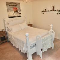 Room in BB - Eagle River Bed and Breakfast - farmhouse room, hotel em Sicamous