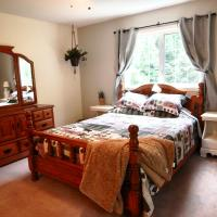 Room in BB - Eagle River Bed and Breakfast - Moose room, hotel em Sicamous