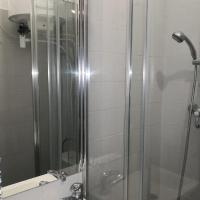 Bel f2 de 32 m² refait à neuf, hôtel à Aubervilliers