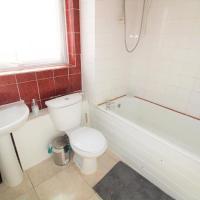 2 bedroom Flat - Heathrow Feltham Hayes Hounslow