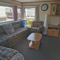 Lochlands caravan park X 6, hotel in Forfar
