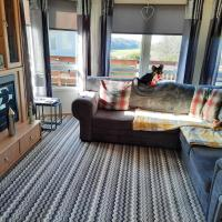 Lovely newly decorated 2 bedroom caravan
