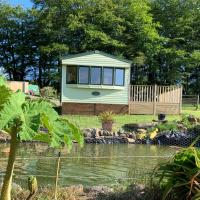 Delightful Caravan with Superb Views and a Hot Tub