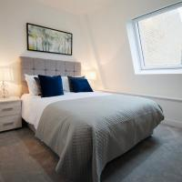 Luxurious 2 bed penthouse with estuary views in Harwich