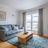 Pleasant Putney home close to the tube station by UnderTheDoormat
