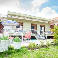 Traditional seaview Home, hotel in Alexandroupoli