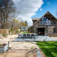Exclusive 5 bedroom Cotswolds Home with Shepherds Hut