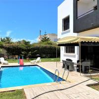 Villa spacieuse avec piscine privée 1 min de la plage 4 chambres, hotel in El Jadida